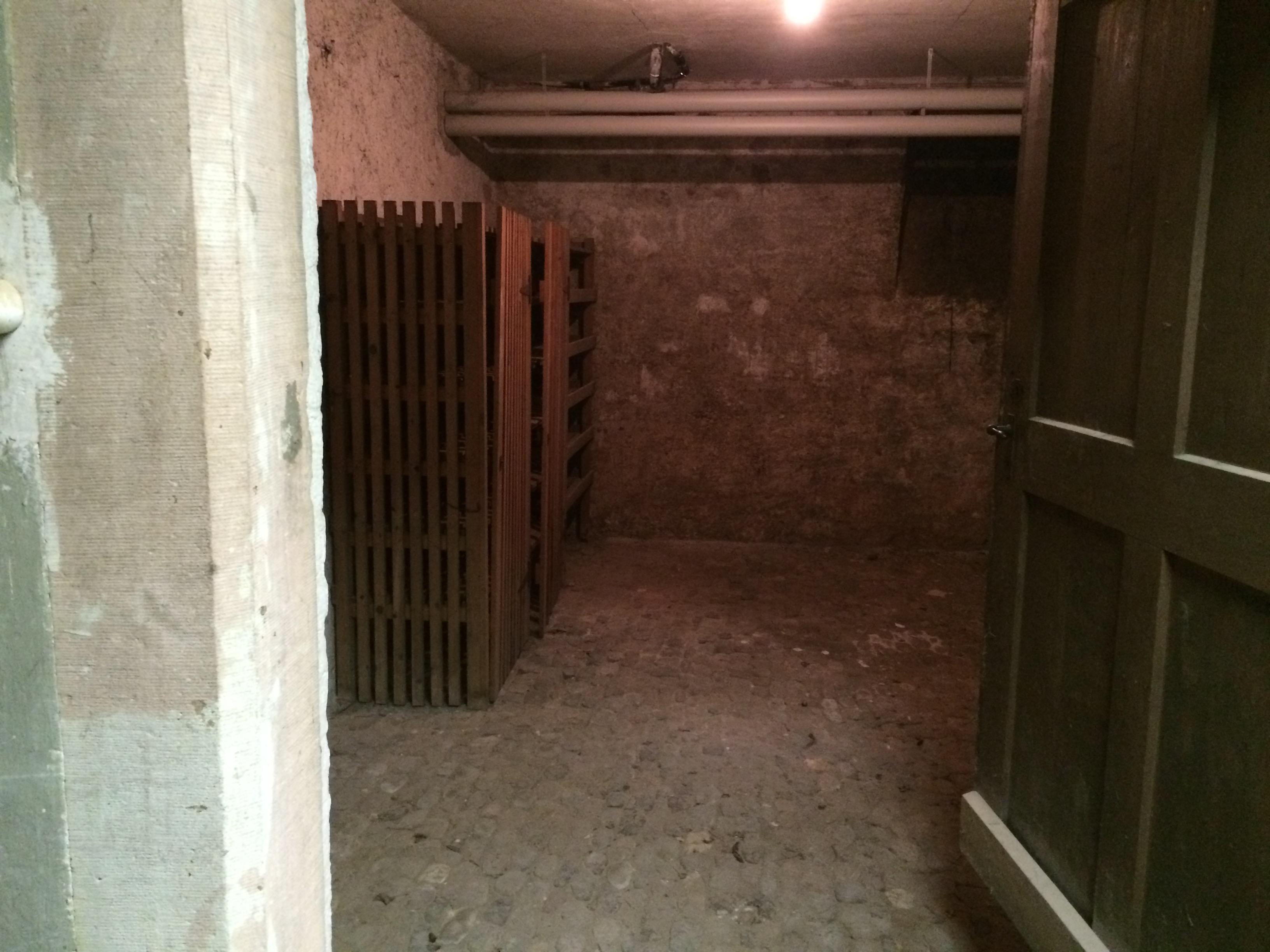 So sieht es momentan im Keller des Hauptbaus aus: unbenutzt und heruntergekommen.