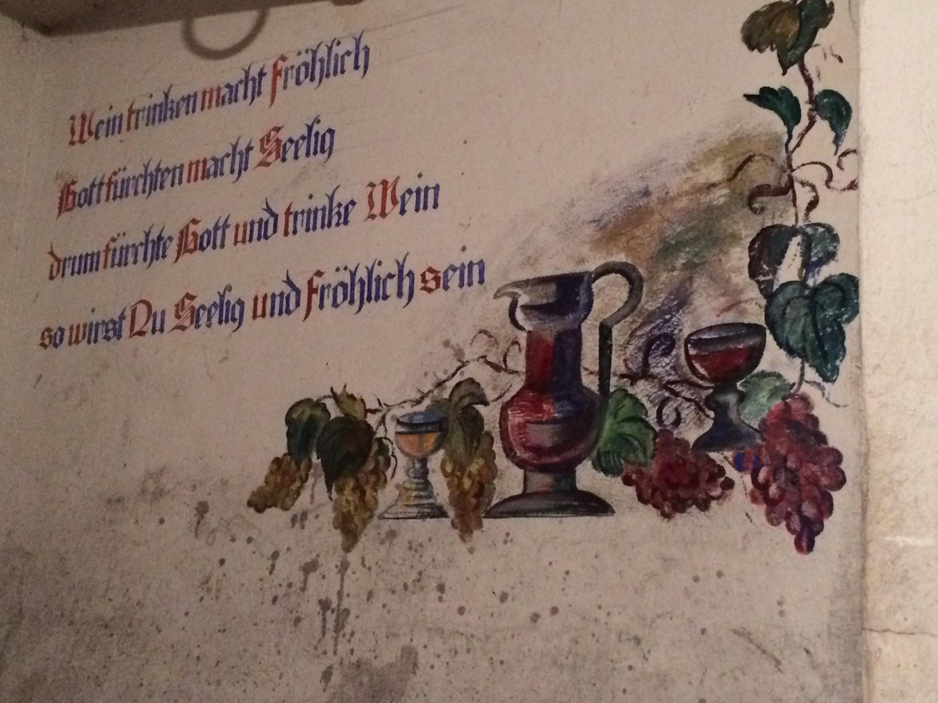Hier, im Keller, lagerten die Soldaten ihren Weinvorrat.
